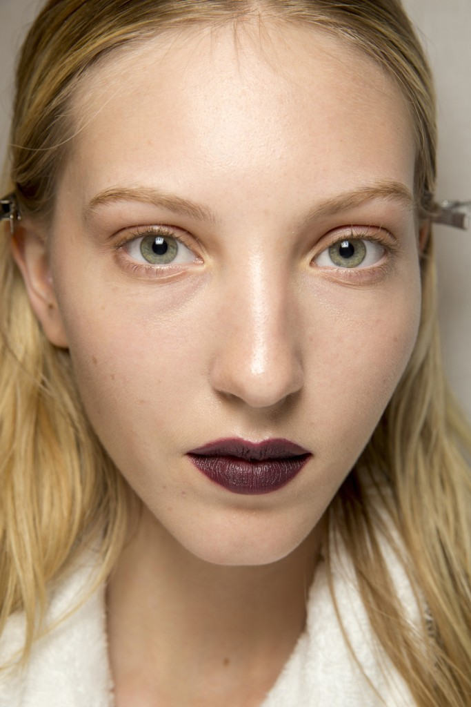 burberry-vampy-lips