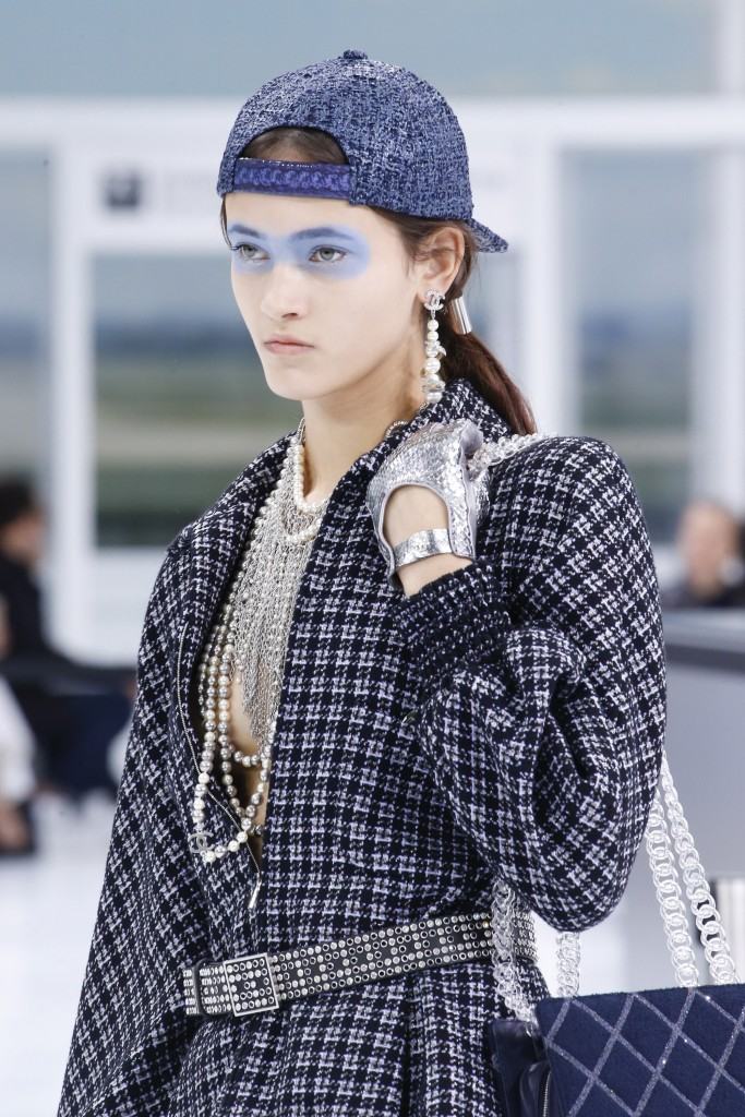 chanel-blue-makeup